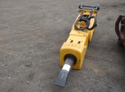Caterpillar	 HD180 Hammer 1