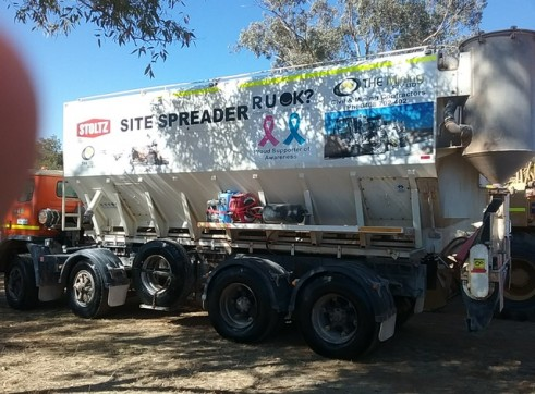 Cement / Lime Spreader Trucks - 20m3 capacity 5