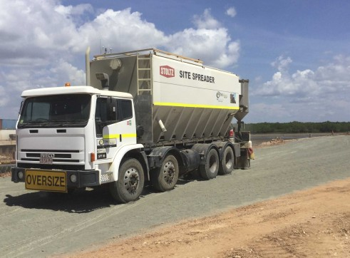 Cement / Lime Spreader Trucks - 20m3 capacity 8