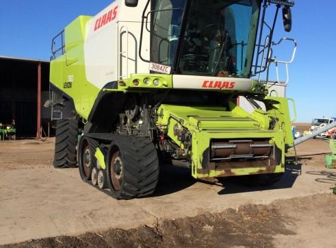 Claas 760 TT Terra Trac Harvester w/42FT Draper Front 1