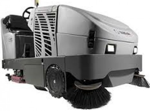 Combination Sweeper Scrubber 1