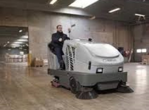 Combination Sweeper Scrubber 2