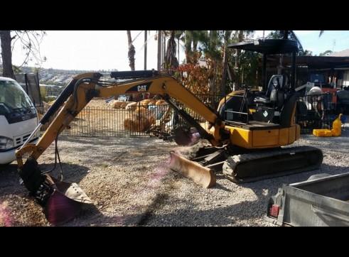 Combo 3.3T Excavator + Bobcat & 11.5T Tipper 2