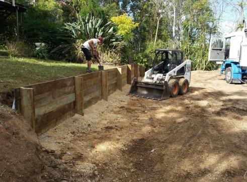 Combo 3.3T Excavator + Bobcat & 11.5T Tipper 4