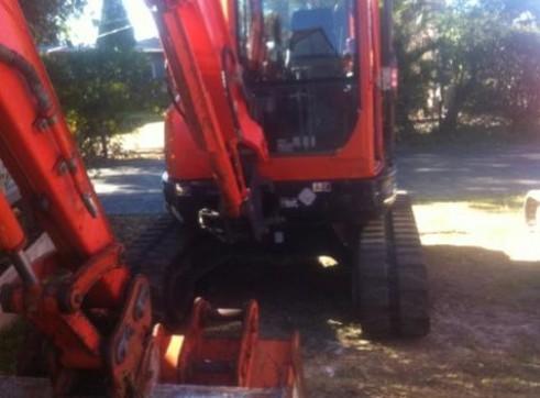 Combo = 4.5T Excavator + Bobcat 753  + Hino 10T Bin Tipper Truck 2