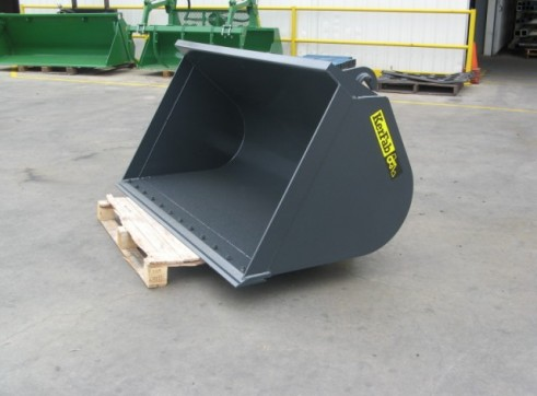 Compact Loader GP Bucket 1