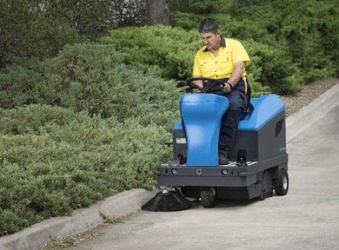 Compact Ride on Sweeper PB110 2