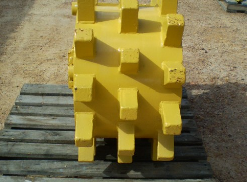 Compaction Wheels and Compaction Plates FOR HIRE OR SALE from 5 to 50 Ton