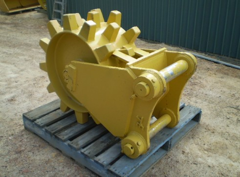 Compaction Wheels and Compaction Plates FOR HIRE OR SALE from 5 to 50 Ton 2