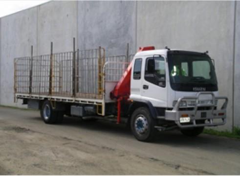Crane Truck 7.2T, 14 Pallet, 9 metre deck, front mount crane 1