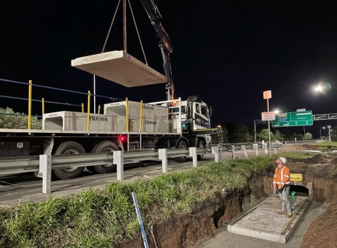 Crane/Hiab Truck 2
