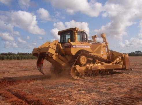 D6T Cat Dozer w/attachments 1