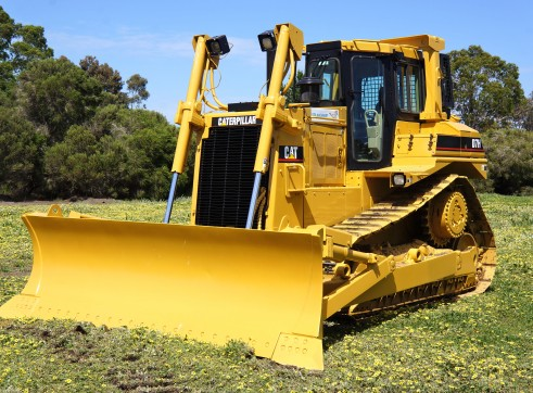 D7H BULLDOZER WITH WINCH 1