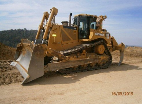 D8 CAT BULLDOZER  3