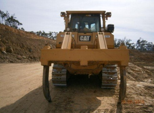 D8 CAT BULLDOZER  4