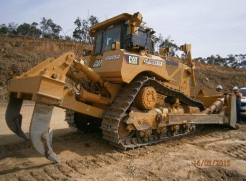 D8 CAT BULLDOZER  5
