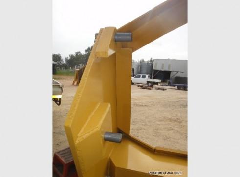 D8T Dozer ( 6 meter clip on rake ) 2