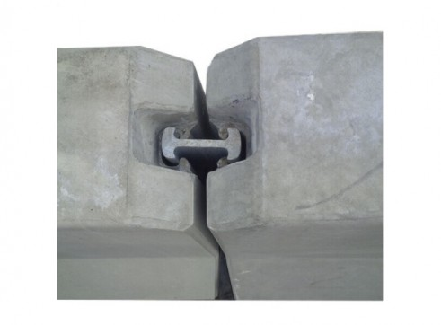DELTABLOC - Concrete Crash Barrier 5
