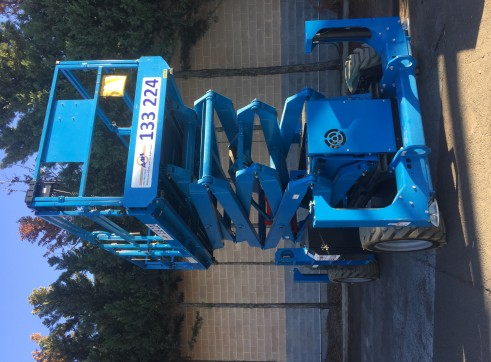 Diesel and Rough Terrain Scissor Lift 2