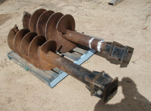 Digga Auger Drive for Hire from 5 Ton to 30 Ton  3
