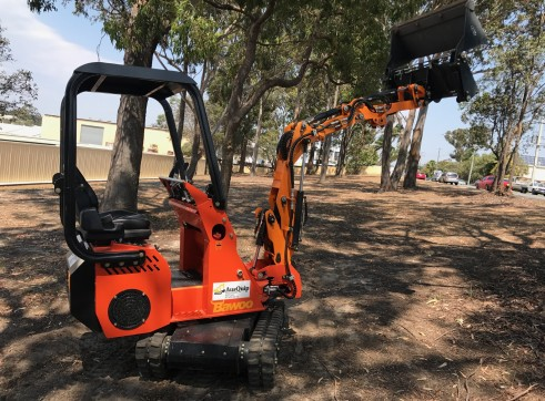 Dingo / Kanga / Cougar Mini Loader / Excavator all in one 11