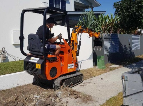 Dingo / Kanga / Cougar Mini Loader / Excavator all in one 4