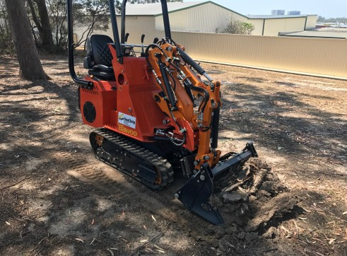 Dingo / Kanga / Cougar Mini Loader / Excavator all in one 5