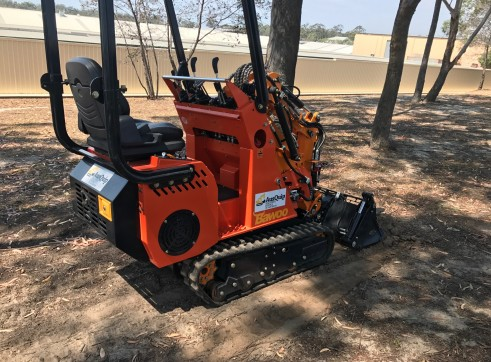 Dingo / Kanga / Cougar Mini Loader / Excavator all in one 6