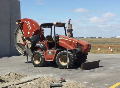 115HP Ditch Witch RT115 Rock Saw 6