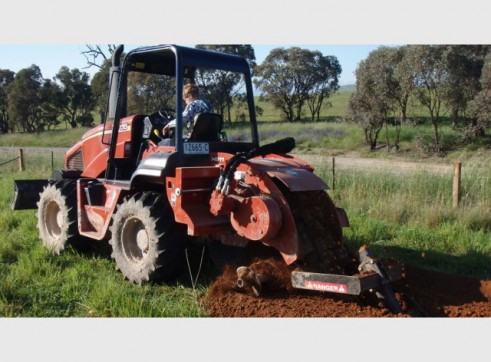 Ditch Witch RT115 Trench Digger with Conveyor 9