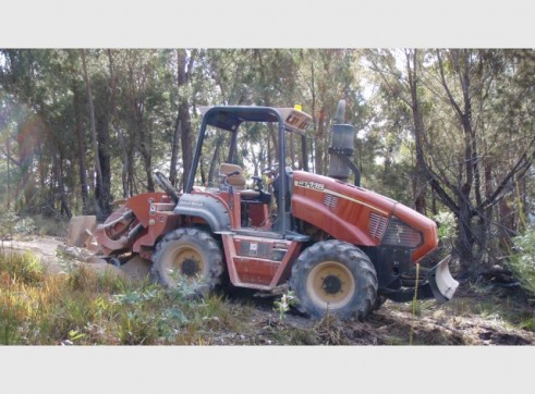 Ditch Witch RT115 Trench Digger with Conveyor 10