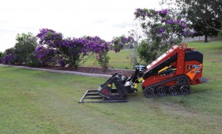 Ditch Witch SK600 Mini Loader 1