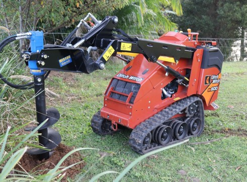 Ditch Witch SK600 Mini Loader 2