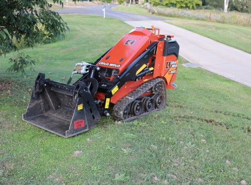 Ditch Witch SK600 Mini Loader 3