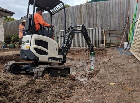 EE-RB10S Rock Breaker suits 1.5 - 2.5 T Excavators 3