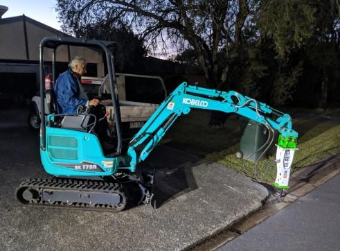 EE-RB10S Rock Breaker suits 1.5 - 2.5 T Excavators 4