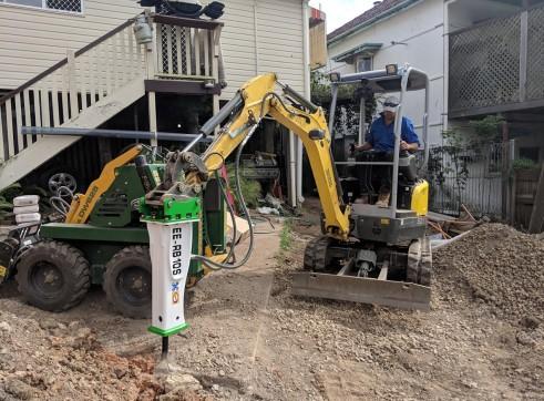 EE-RB10S Rock Breaker suits 1.5 - 2.5 T Excavators 6