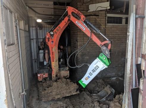 EE-RB20S Rock Breaker suits 1.7 - 3 T Excavators 5