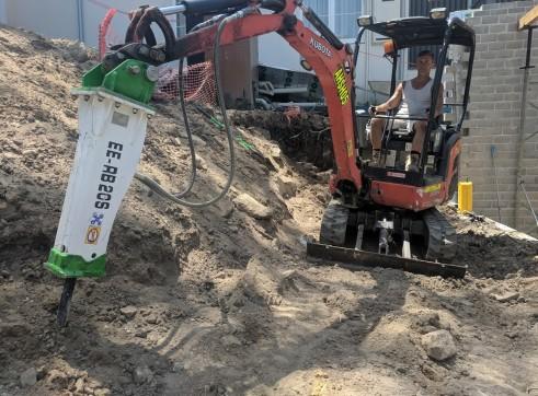 EE-RB20S Rock Breaker suits 1.7 - 3 T Excavators 9
