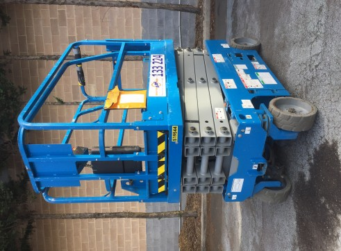 Electric Scissor Lift 1