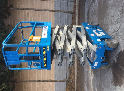 Electric Scissor Lift 2