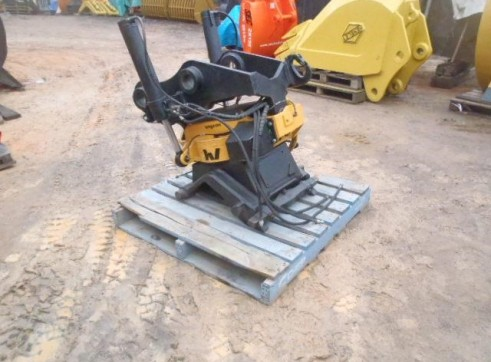 Engcon Rotating Tilt Hitch to suit 20T