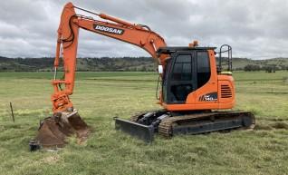 14T Excavator 1