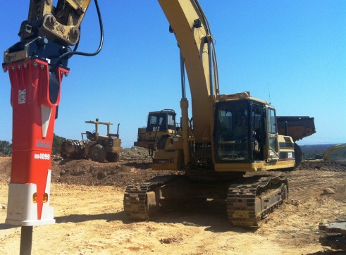 Excavator Attachments (hydraulic) 2