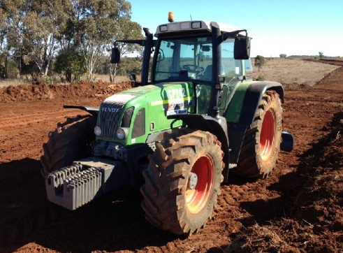 Fendt 716 Vario Tractor 160hp 4wd for hire 3