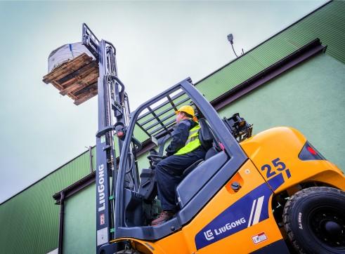 Forklift 2.5 tonne LPG 2