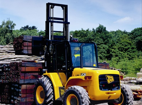 Forklift - Rough Terrain 1
