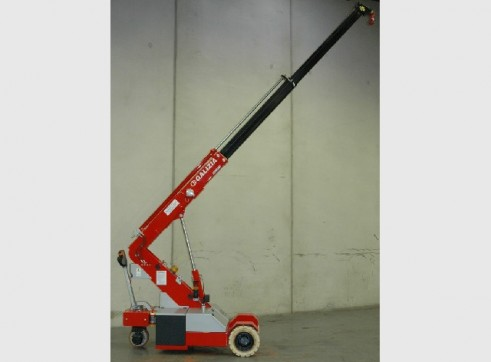 GALIZIA G20 2 TONNE PICK & CARRY CRANE 1