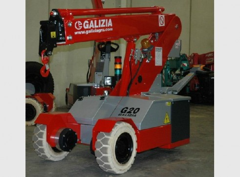GALIZIA G20 2 TONNE PICK & CARRY CRANE 2