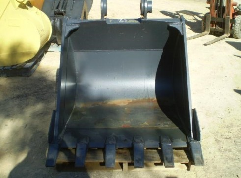 GEW 1200mm dig bucket SUIT 20 TONNER